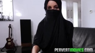 Hot muslim slut in hijab cant wait any longer and needs a cock before her marria